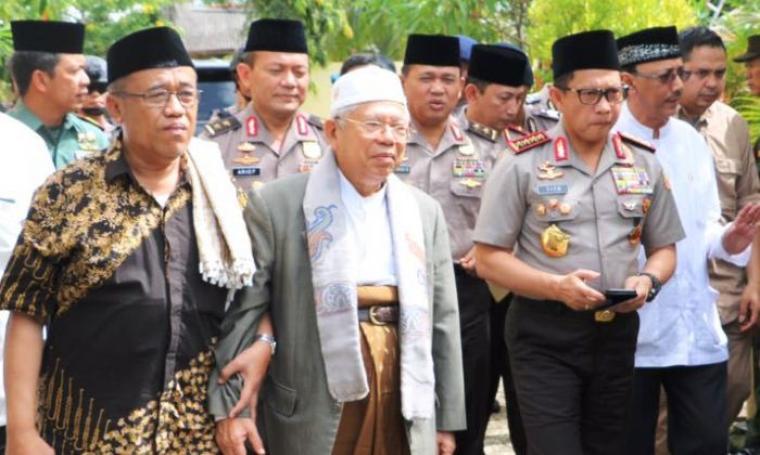 Kapolri Jendral Polisi Tito Karnavian saat mengunjungi Ponpes An-Nawawi, Kecamatan Tanara, Kabupaten Serang, Banten, Rabu (8/2/2017). (Foto: TitikNOL)
