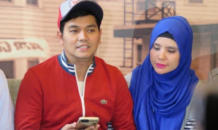 Indra Bekti dan istri. (Dok: detikhot)