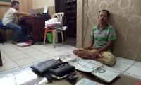 APKLI Bersama Ratusan PKL yang tergabung dalam Paguyuban Para pedagang kaki lima (PKL) yang berjualan di sekitar Alun Alun Lama Ungaran, Kabupaten semarang, saat berkumpul melakukan koordinasi di Waru