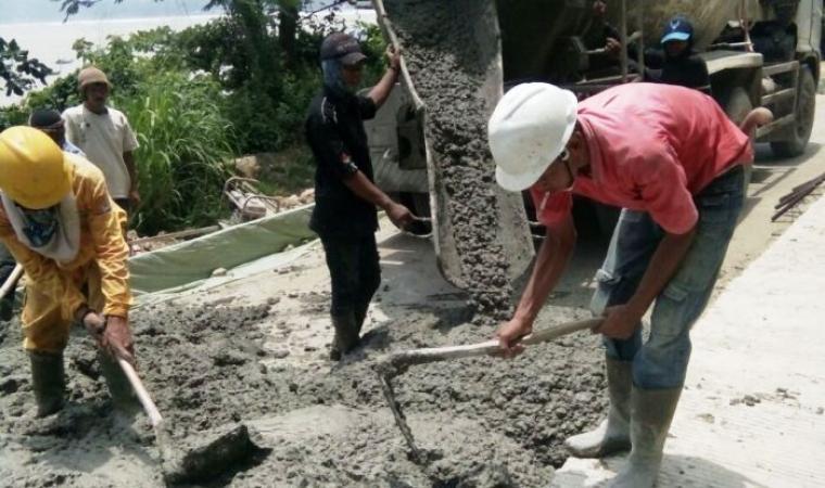 Pembangunan jalan nasional Bayah - Cibareno. (Dok: TitikNOL)