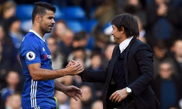 Diego Costa bersama Antonio Conte. (Dok: thesun)