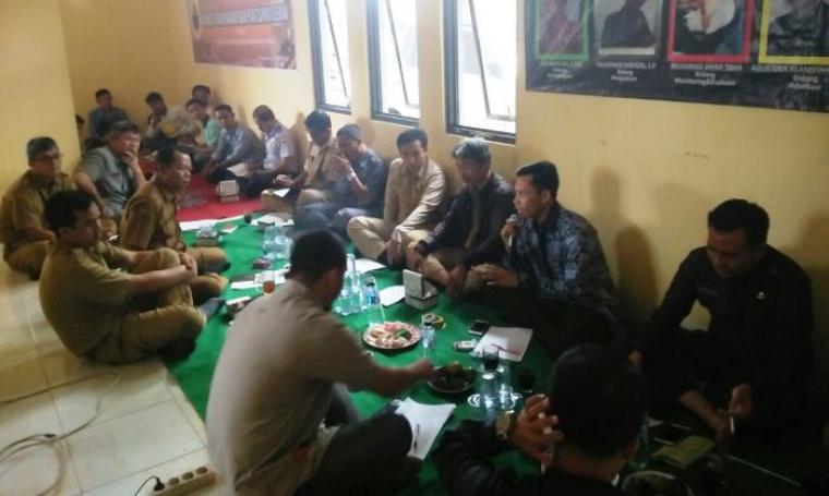 Acara coffe morning KTP bersama seluruh pejabat PPID pembantu di lingkungan Pemda Lebak dan Kominfo sebagai PPID utama bertempat di kantor KTP Lebak. (Foto: TitikNOL)