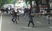 Suasana pertemuan warga Desa Pamubulan dengan unsur Muspika Kecamatan Bayah yang berakhir tanpa kesimpulan. (Foto: TitikNOL)