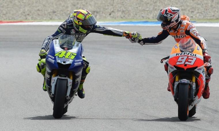 Valentino rossi dan Marc marquez. (Dok: Thethaotocdo)