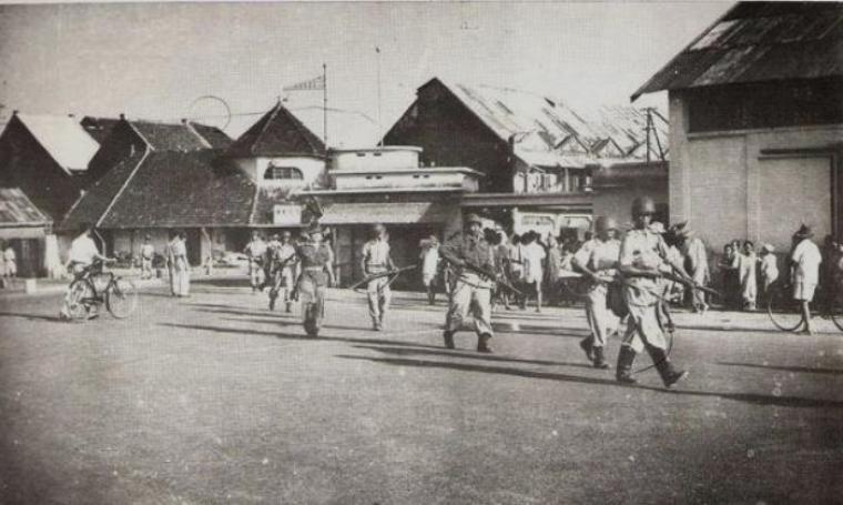 Pelabuhan Makasar diduduki Pasukan Batalyon Worang. (Dok: alchetron)