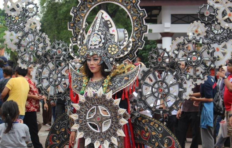 Salah satu peserta dalam gelaran Cilegon Ethnic Carnaval (CEC) Tahun lalu. (Foto: Ist)