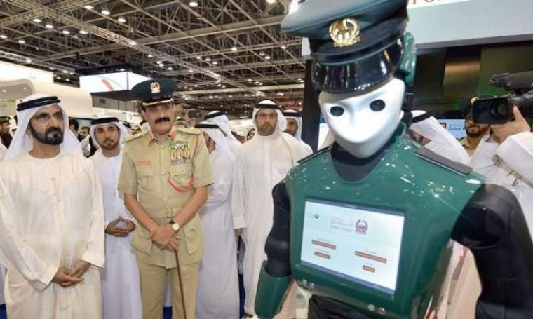 Peresmian robot polisi yang bekerja untuk kepolisian Uni Emirat Arab (UEA) di Dubai. (Dok: khaleejtimes)