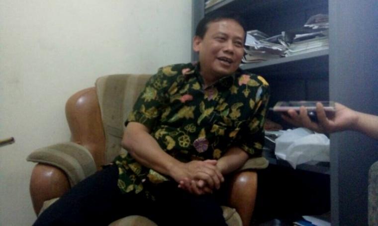 Ketua Bawaslu RI Abhan saat memberikan keterangan kepada wartawan di kantor Bawaslu Banten, Kamis (4/5/2017). (Foto: TitikNOL)