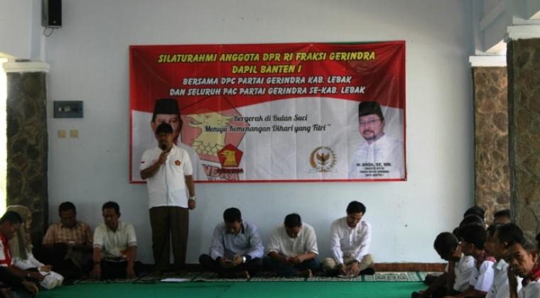 Anda anggota DPR - RI asal dapil Banten I, saat memberikan sambutan di acara silahturahmi dengan seluruh pengurus DPC dan PAC Partai Gerindra Lebak. (Foto: TitikNOL)