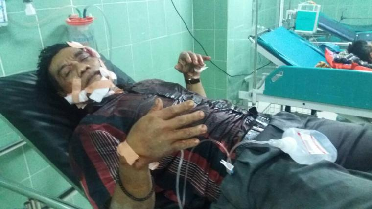 Ichlas Subandi, korban penganiayaan saat terbaring di ruang perawatan. (Foto: TitikNOL)