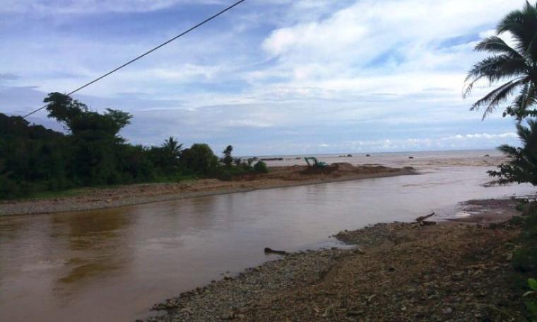 Aktivitas penambangan pasir pantai di Kabupaten Lebak. (Dok: TitikNOL)