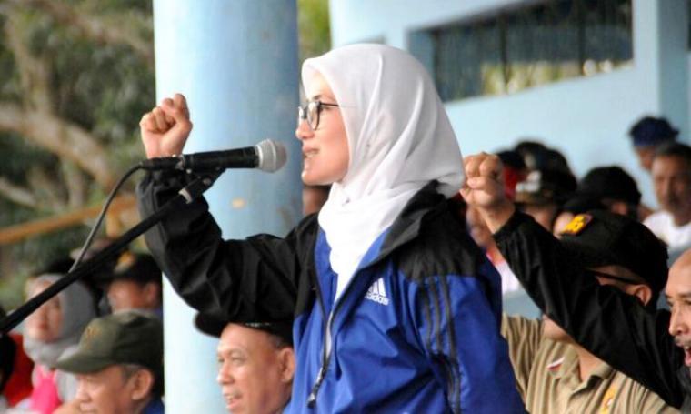 Bupati Lebak, Iti Octavia Jayabaya saat memberikan sambutan di pembukaan PORKAB ke II di Stadioan Ona Rangkasbitung. (Foto: Ist)
