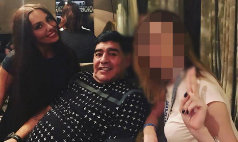 Diego Maradona bersama Ekaterina Nadolskaya. (Dok: dailystar)