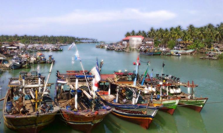Kapal-kapal nelayan bersandar di Muara Binuangeun. (Dok: bantensite)