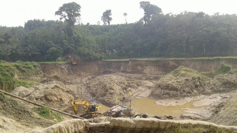 Salah satu lokasi tambang pasir di Lebak yang diduga tidak memiliki stockfile. (Foto: TitikNOL)