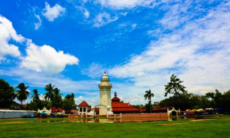 Masjid Agung Banten Lama. (Dok: kebudayaan.kemdikbud)