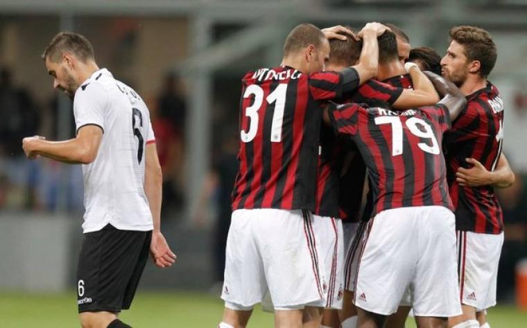 Para pemain Milan lakukan selebrasi. (Dok: quotidiano)