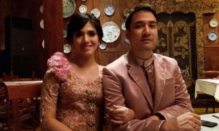 Putri Una alias DJ Una dan Irsan Ramadan suaminya. (Dok: tribunnews)