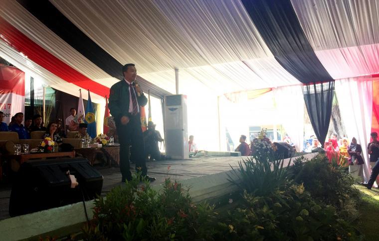 Menteri Pemuda dan Olah Raga Imam Nahrawi saat memberikan sambutan di acara pengenalan mahasiswa baru di kampus Untirta. (Foto: TitikNOL)