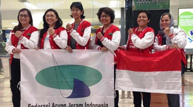 Tim arung jeram master putri Indonesia. (Dok: bola)