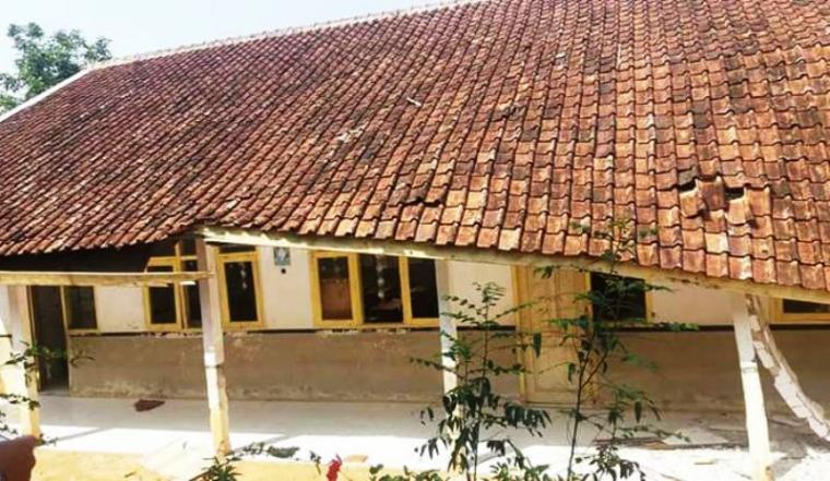 Kondisi bangunan Sekolah SDN I Mekarmanik, Desa Mekarmanik, Kecamatan Bojongmanik, Kabupaten Lebak yang ambruk. (Foto: Ist)