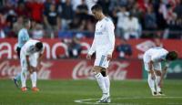 Pemain Manchester United rayakan gol setelah Lingard sarangkan bola ke gawang Real Madrid. (Dok: mirror)