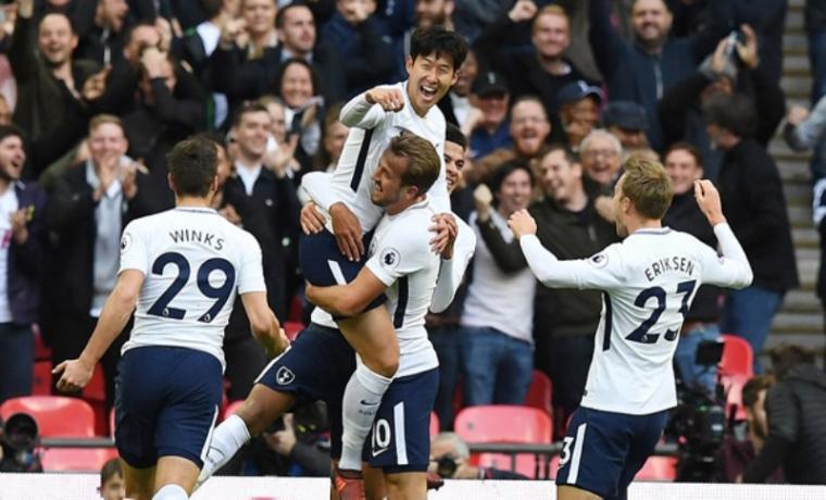 Pemain Tottenham Hotspur merayakan gol usai Son Heung-min mencetak gol kedua bagi Spurs. (Dok: net)