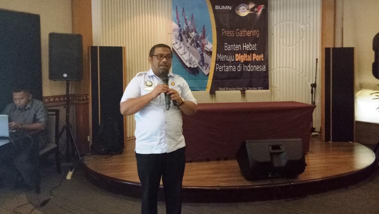 GM PT Pelindo II Cabang Banten, Armen Amir saat mengenalkan Banten Hebat menuju Digital Port Pertama di Indonesia di Hotel The Royale Krakatau Cilegon. (Foto: TitikNOL)