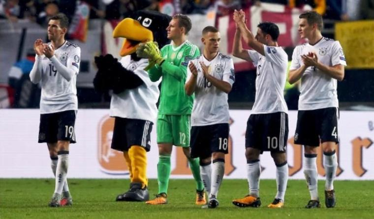 Pemain Timnas Jerman merayakan kemenangan. (Dok: bayernstrikes)