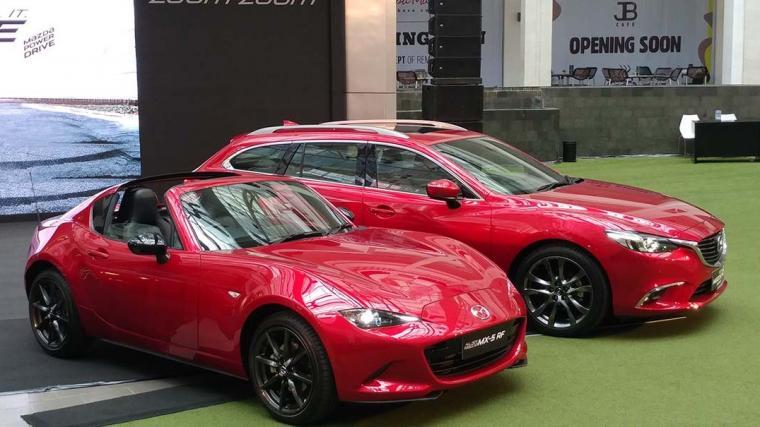 Mazda6 Estate dan Mazda MX-5 RF. (Dok: autonetmagz)