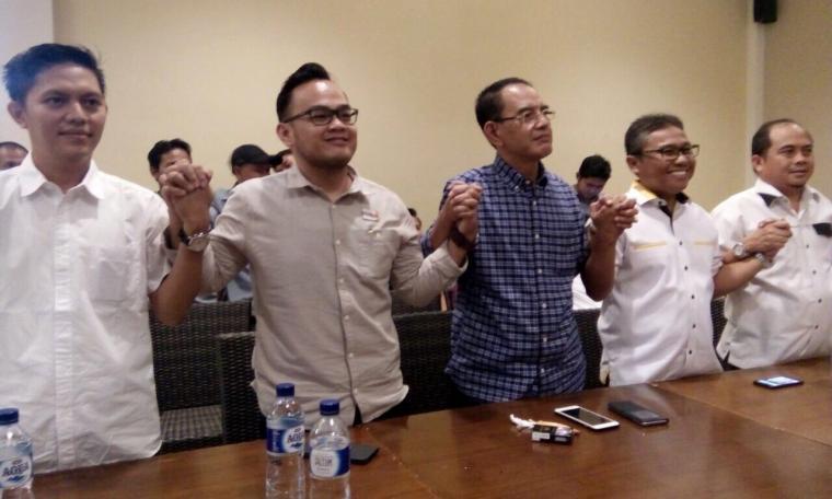 Perwakilan tiga Partai saat mendeklarasikan dukungan kepada bakal calon Ranta Soeharta. (Dok: TitikNOL)