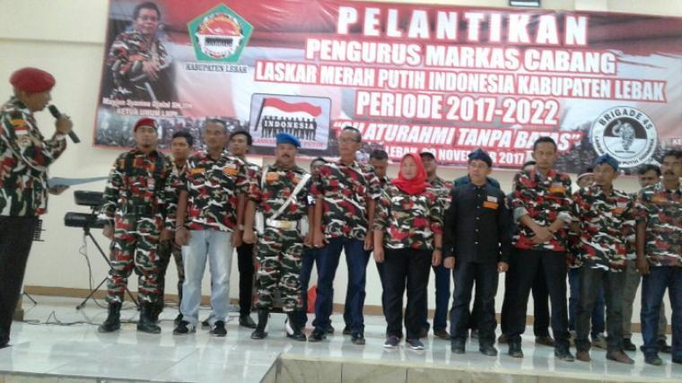 Sejumlah pengurus LMPI Lebak saat dilantik. (Foto: TitikNOL)