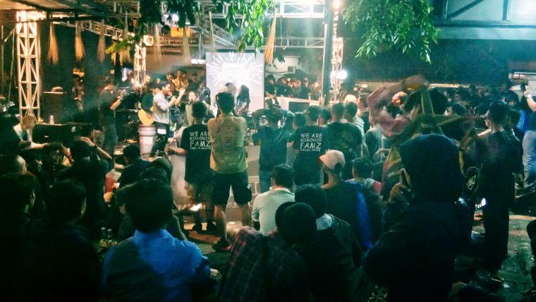 Suasan saat peringatan Hari Anti Korupsi Internasional di Salbai Cafe, Kota Serang. (Foto: TitikNOL)
