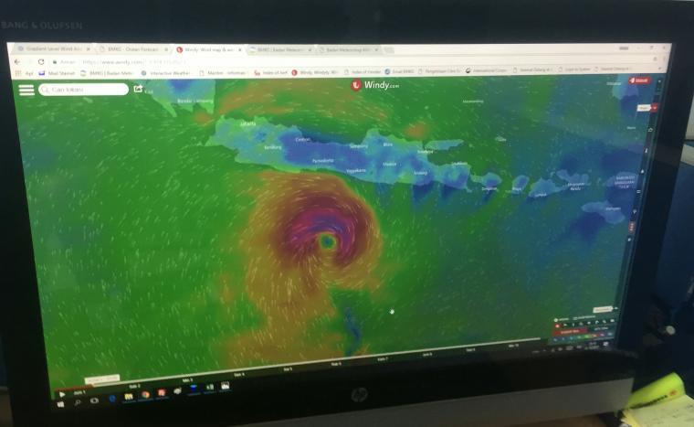 Pantauan dari BMKG, Badai Dahlia mulai menjauh. (Foto: TitikNOL)