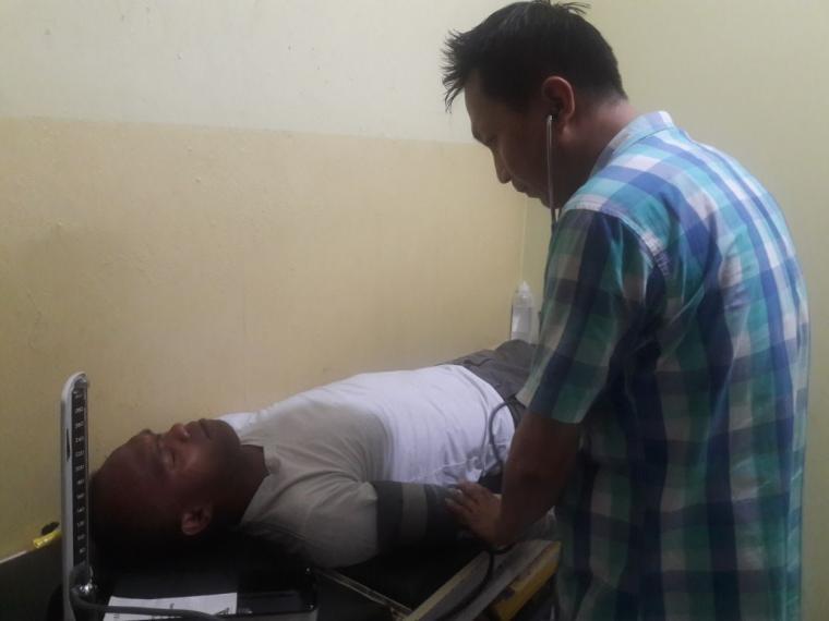 Kusnaedi Baduy, saat dirawat disalah satu Rumah Sakit. (Foto: TitikNOL)