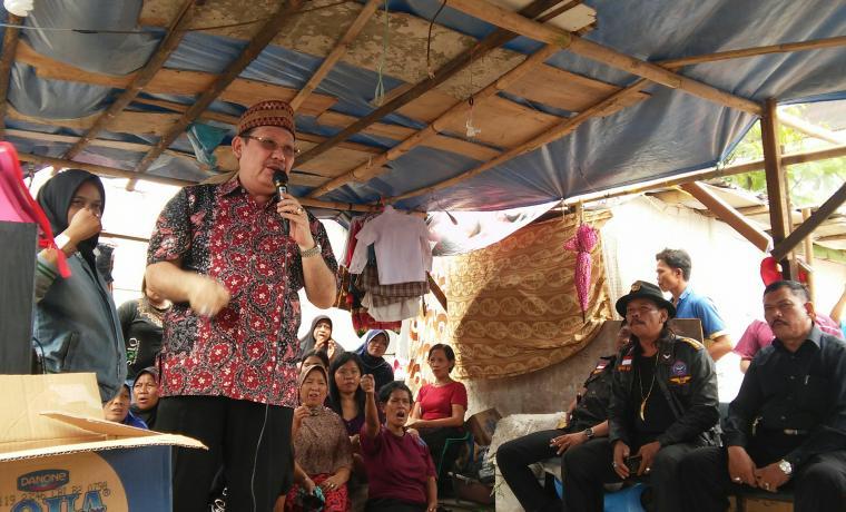 Ketua DPD KAI Propinsi Banten, Ricky Umar, saat berbicara di depan warga. (Foto: TitikNOL)