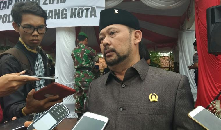 Bambang Janoko saat diwawancarai wartawan. (Foto: TitikNOL)