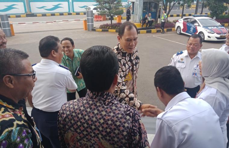 Anggota Komisi VI DPR RI Bambang Haryo saat melakukan kunjungan kerja di Pelabuhan Merak, Selasa (16/1/2018) kemarin. (Foto: TitikNOL)