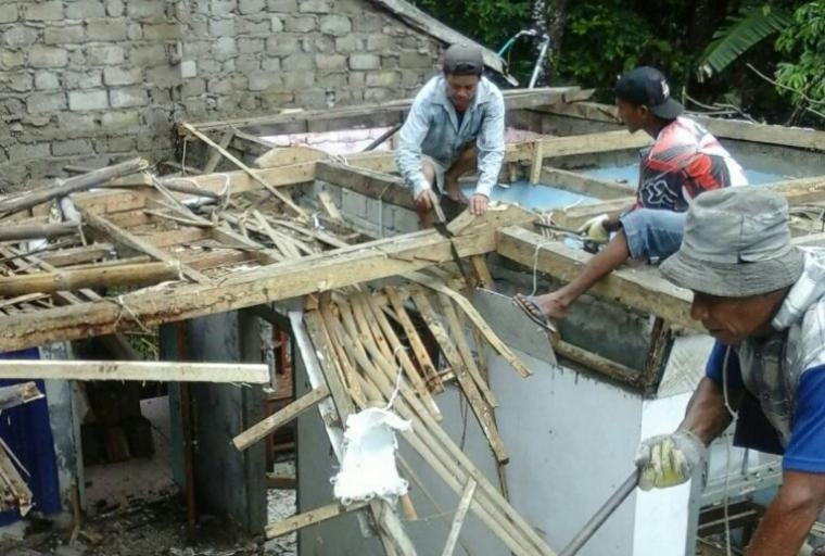 Salah satu rumah warga korban gempa yang mengalami kerusakan akibat gempa di Kecamatan Cibeber yang juga dikabarkan belum tersentuh bantuan. (Foto: Ist)