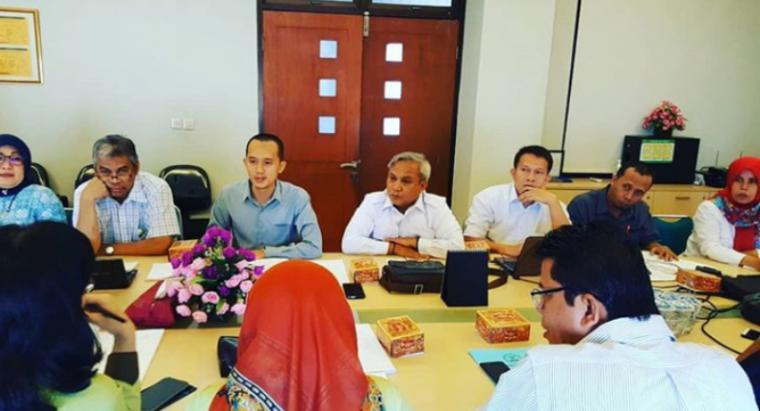 KPU Kota Tangerang menggelar rapat koordinasi pembentukan tim pemeriksa kesehatan pasangan calon Walikota dan Wakil Walikota di RSUD Kabupaten Tangerang. (Foto: TitikNOL)
