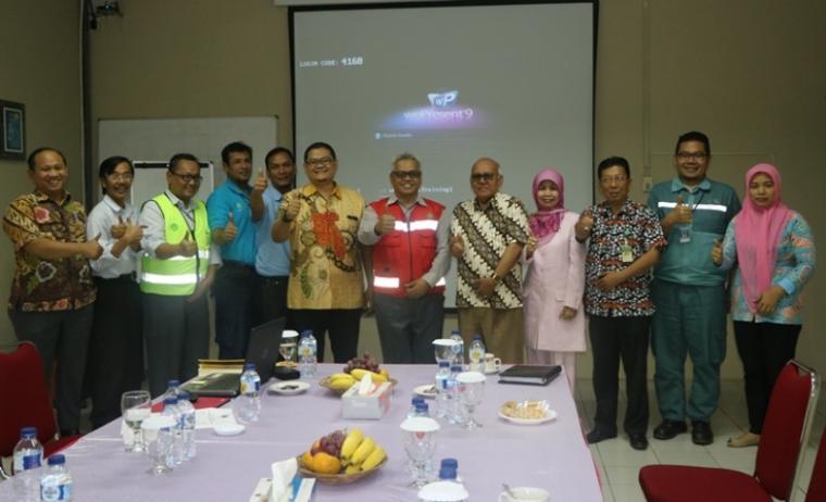 Komisi II DPRD Provinsi Banten saat melakukan kunjungan kerja ke Kantor PT Duta Sugar Internasional Bojonegara di Kecamatan Bojonegera Kabupaten Serang, Kamis (18/1/2018).