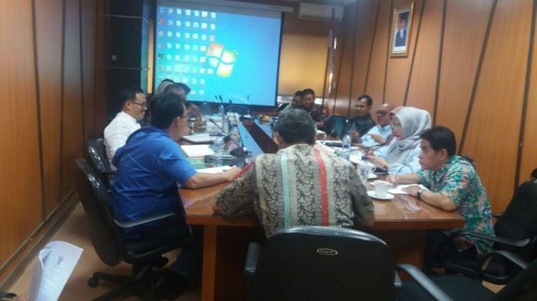 Suasana membahas Raperda Tentang Perlindungan dan Pemberdayaan Masyarakat Petani dengan Kementerian Pertanian di Jakarta, Jumat (19/1/2018).