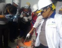 Wakil Walikota Cilegon, Ratu Ati Marliati melakukan sidak jalan rusak di Lingkungan Kedawung, Kelurahan Tegal Bunder, Kecamatan Purwakarta. (Foto: TItikNOL)