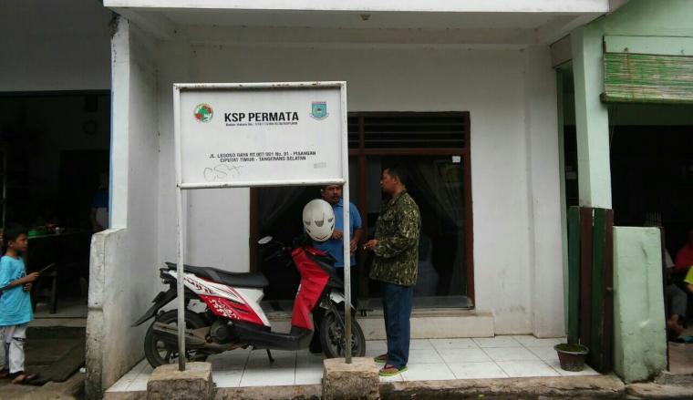 Kantor koperasi simpan pinjam Permata di Tangerang Selatan. (Foto: TitikNOL)