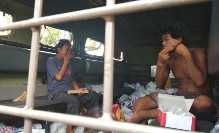 ODGJ yang diangkut petugad satpol pp saat rajia di wilayah kota serang. (Foto: TitikNOL)