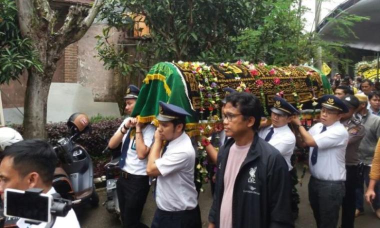 Jenazah Dianti Dyah Ayu Cahyani (24) korban longsor Underpas di Bandara Soekarno Hatta. (Foto: TitikNOL)