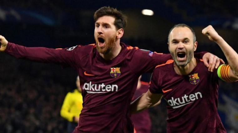 Megabintang FC Barcelona, Lionel Messi (kiri), merayakan golnya bersama Andres Iniesta. (Dok: Tribunnews)