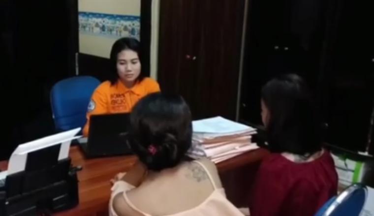 Kedua pelaku penganiayaanterhadap seorang siswi yang sempat viral di medsos. (Foto: TitikNOL)