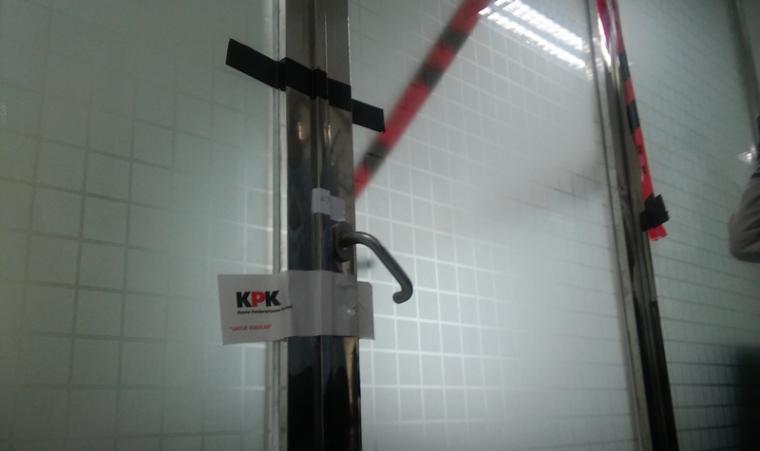 Ruangan Hakim yang di segel KPK. (Foto: TitikNOL)