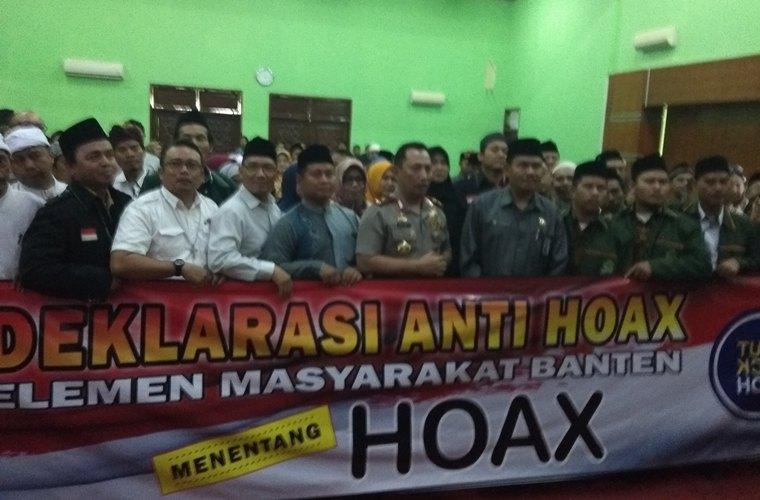 Deklrasi anti Hoax di aula kantor kemenag provinsi banten. (Foto: TItikNOL)